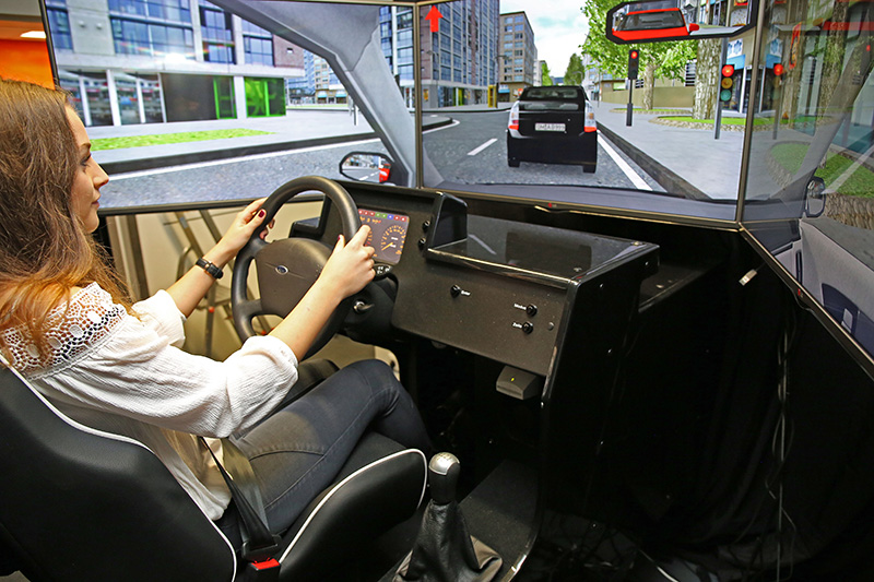 Como compartilhar simulador de direção dentro das normas do Detran